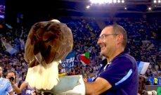 ساري يحتفل مع النّسر أولمبيا