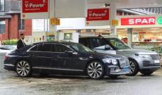 سائق رونالدو ينتظر 7 ساعات لتعبئة البنزين