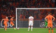 الحكم الإيطالي أخطأ في مكان وأصاب في آخر خلال مباراة هولندا وتركيا