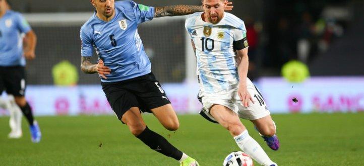 مجريات مباراة الارجنتين والاوروغواي في تصفيات أميركا الجنوبية