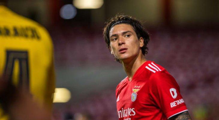 قاهر برشلونة لاعب الشهر في البرتغال