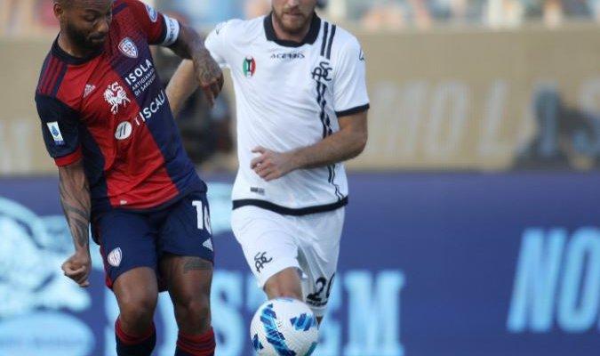 الدوري الايطالي: كالياري يقلب تأخره أمام سبيزيا إلى تعادل