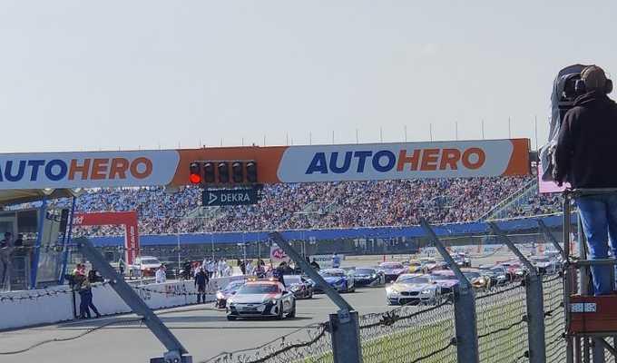بطولة السيارات السياحية الألمانية: ويتمان يفوز في السباق الاول بالجولة السادسة