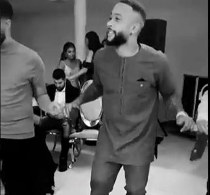 ديباي يرقص على طريقة الأتراك