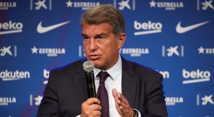 مجلس إدارة برشلونة يدعم كومان بعد التعادل مع قادش