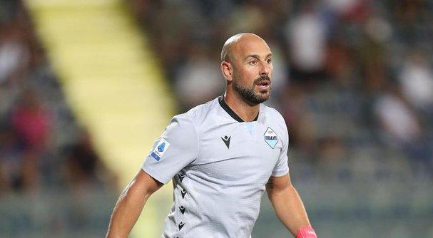 بيبي رينا افضل حارس مرمى في الدوري الايطالي في الموسم الماضي