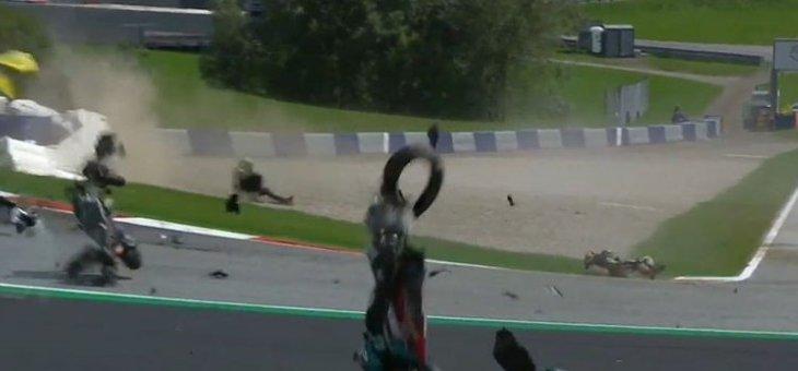 حادث عنيف في سباق جائزة النمسا كاد أن ينهي حياة فالنتينو روسي